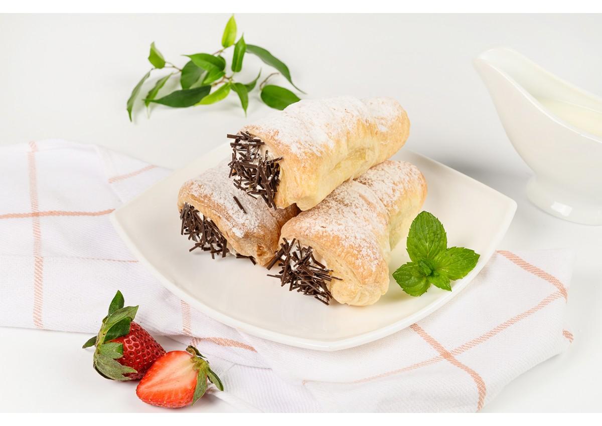 Пирожное «слоёная трубочка» со сливками